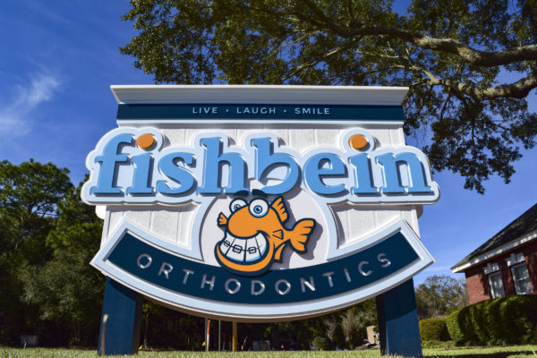 Design contest winner Pensacola Sign Graphic for Fishbein Orthodontics